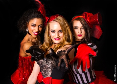 Helen Scott Events Entertainers: Tash Thomas, Lucie Browne, Daniella Bavetta Photographer: Tim Copsey