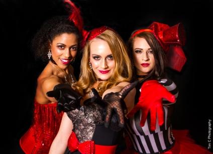 Helen Scott Events Entertainers: Tash Thomas, Lucie Browne, Daniella Bavetta Photographer: Tim Copsey
